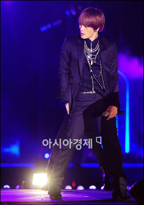 [포토]JYJ 재중, 서있기만해도 멋져