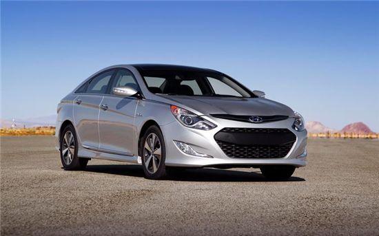 내년 1월 북미 시장에 출시될 쏘나타 하이브리드 가격이 2만6545달러로 책정됐다.