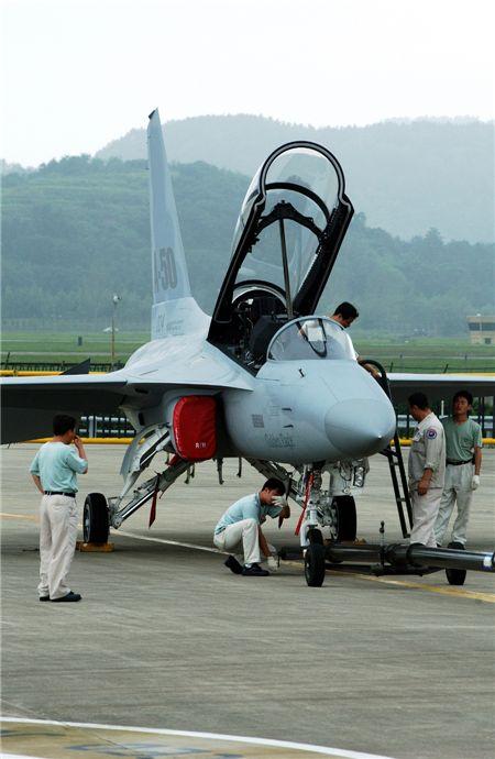 'TA-50 블록2' 20대 공군 훈련기로 구매