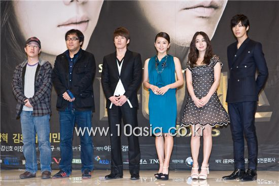 "From left, SBS TV series ""Midas"" directors Kang Shin-hyo, Lee Chang-min and actors Jang Hyuk, Kim Hee-ae, Lee Min-jung and No Min-woo pose at a press conference held in Seoul, South Korea on February 21, 2011. [Chae Ki-won/10Asia]"