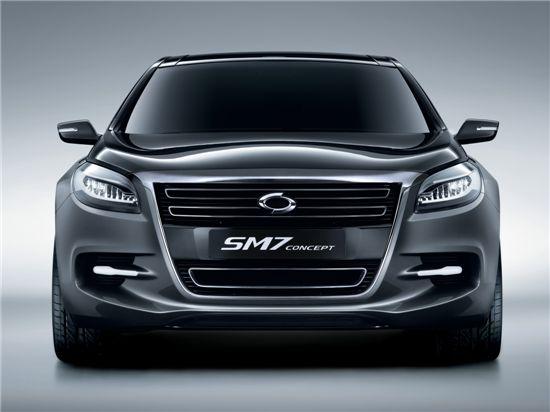 르노삼성의 올 최대 기대작 '뉴 SM7'은 지난 4월 서울모터쇼에서 공개된 'SM7 컨셉트'를 기반으로 제작돼 오는 9월 출시된다.