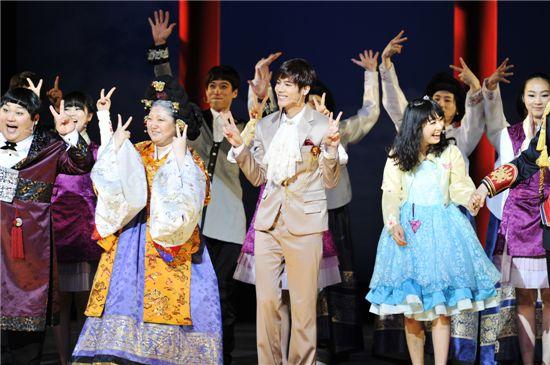 "Korean musical ""Goong"" performs in Kyoto, Japan on June 11, 2011. [Group 8]"