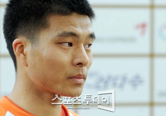 승부조작 최성국, 징역 10월에 집행유예 2년 선고