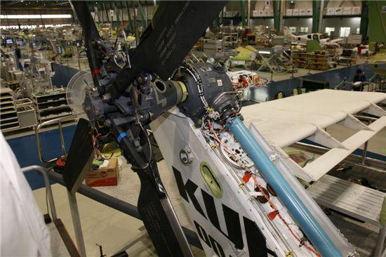 프로펠러등에 사용되는 케이블은 탄력은 물론 흔들림 등에도 버틸수 있어야 한다.
