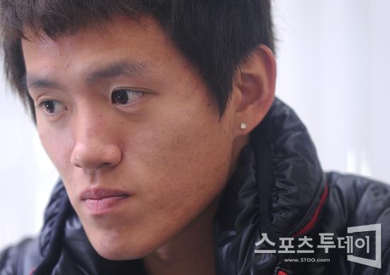 [피플+]'유쾌한 남자' 홍철, 잃어버린 정체성을 찾아서(인터뷰)