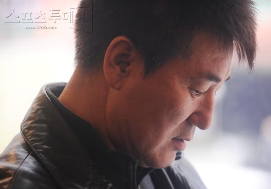 [피플+]정명원 코치, 23년 고향 왜 떠났나(인터뷰)
