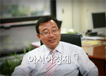 """이정현 """"정수장학회, 박근혜 10살 때 일…野 정치적 이용"""""""