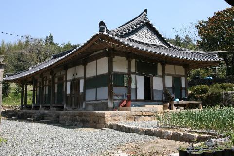 전남 장흥군에 있는 '장흥 신와고택'의 모습. 사진=문화재청 제공.