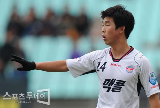 무력한 성남, B그룹 선두 인천에 1-2 패···홈 10G 무승