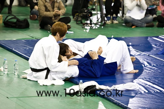 Shinhwa members [Chae Ki-won/10Asia]