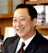 박용만 두산 회장, 한국인 MBA 유학생들에게 한턱