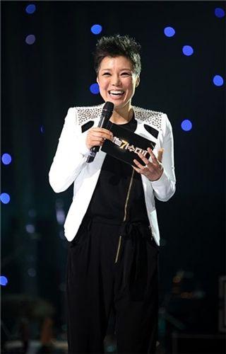 ▲ '나가수2'에 사회자로 출연한 가수 이은미(출처: 일밤 홈페이지)