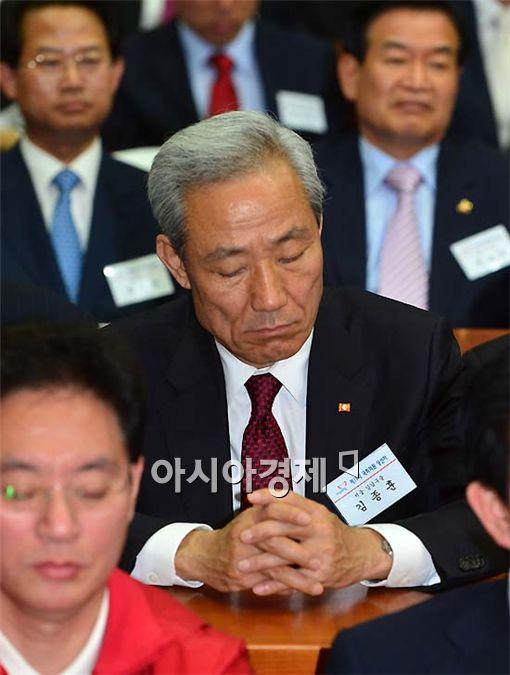 [포토] 김종훈, 기도하고픈 심정