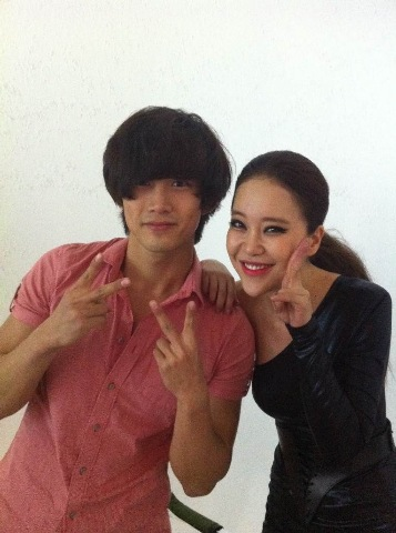 2PM's Taecyeon (left) and Baek Ji-young (right) [WS Entertainment]