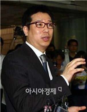 '이병헌 협박' 강병규… 檢, '징역 2년 6개월' 구형