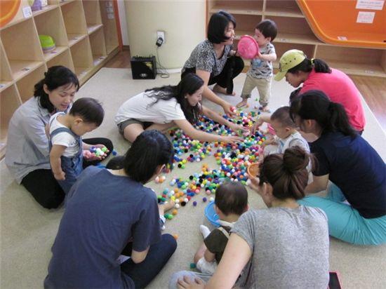 영유아 돌보미센터 놀이 사진