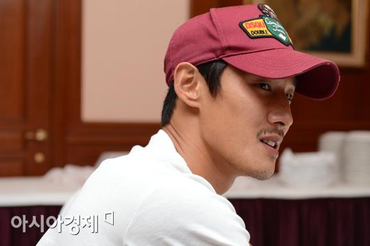 [포토] 김형범 '2002 선배들 울릴 명품 프리킥 기대하세요'