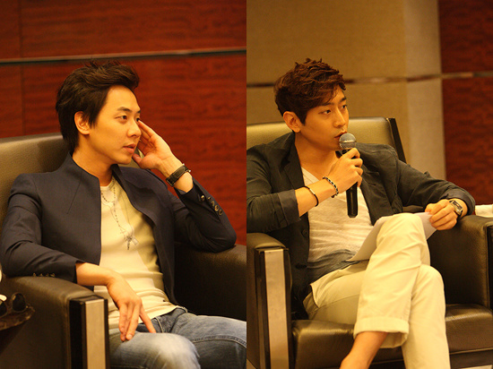 Shinhwa's Andy (left) and Eric (right) [Shinhwa Company]
