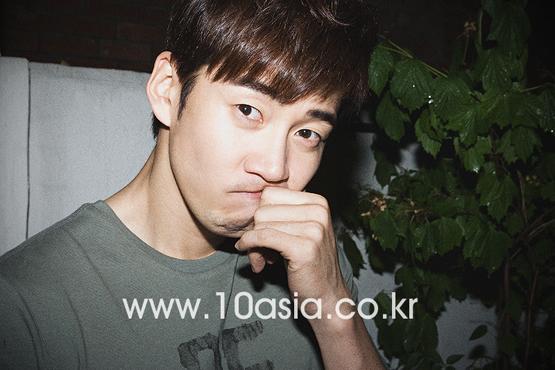 Actor Yoon Kye-sang [10Asia]