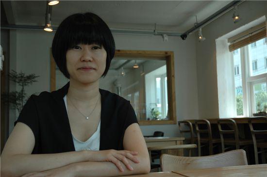 단편소설집 '비행운'을 내놓은 작가 김애란