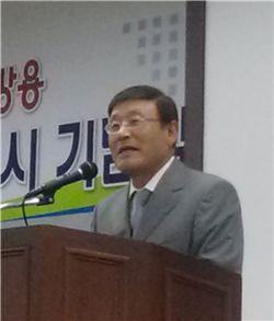 최진민 귀뚜라미 명예회장.