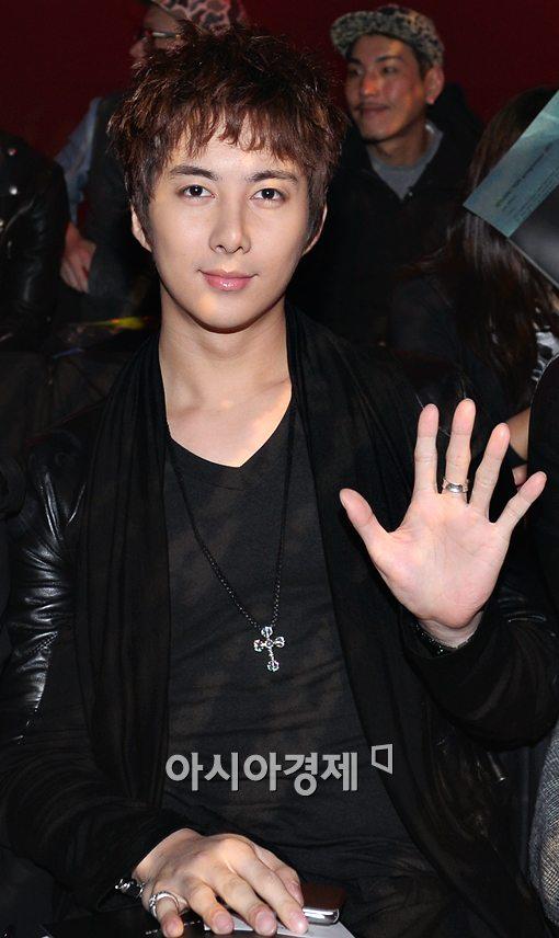 [포토]김형준, 손바닥이 큰 거야~ 얼굴이 작은거야?