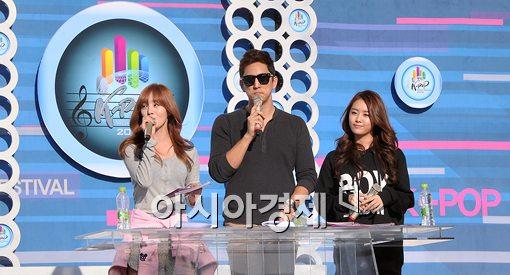 [포토]'K-POP 월드페스티벌 2012' 리허설 하는 한선화-한석준-송지은