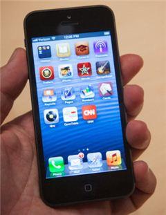 '아이폰5' 왜 여태 안나오나 했더니만 결국