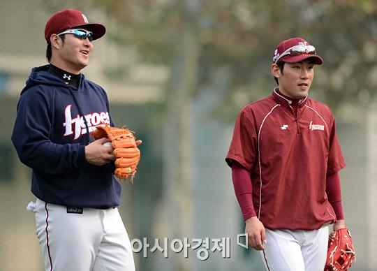 [포토] MVP 박병호와 신인왕 서건창 '내년에도 잘해야죠!'