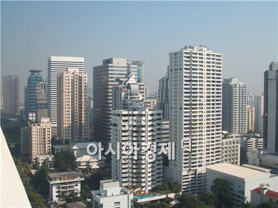 ▲태국 방콕 시내. 초고층 건물들이 빽빽히 들어서 있다.[사진=아시아경제DB]