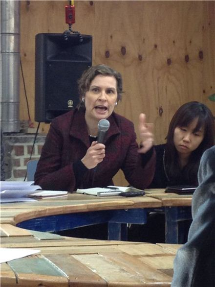 """WCIT 인터넷 통제권 논의는 전쟁"""