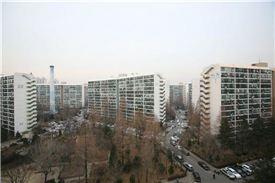 강남권 대표 재건축 단지로 꼽히는 대치동 은마아파트
