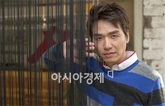 """영화 '분노의 윤리학' 김태훈 """"'와, 이건 진짜같다'하는 영화에 꽂힌다"""""""