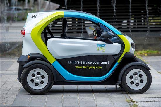 유럽 최초의 전기차 쉐어링 서비스..르노 '트위지 웨이'