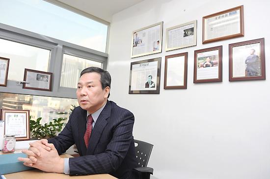 [인터뷰]김규헌 변호사, 무대 위에서 펼치는 뜨거운 '예술 열정'