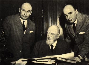 1956년 촬영된 피에트로 베레타(가운데) 아들 카를로(왼쪽)와 피에르 주세페 베레타
