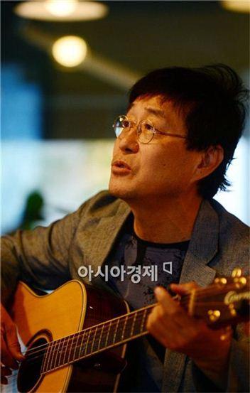 ▲김창완 세월호 희생자 추모곡 '노란리본' 공개.