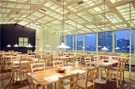 샐러드&그릴 레스토랑 '세븐스프링스' 목동점 오픈