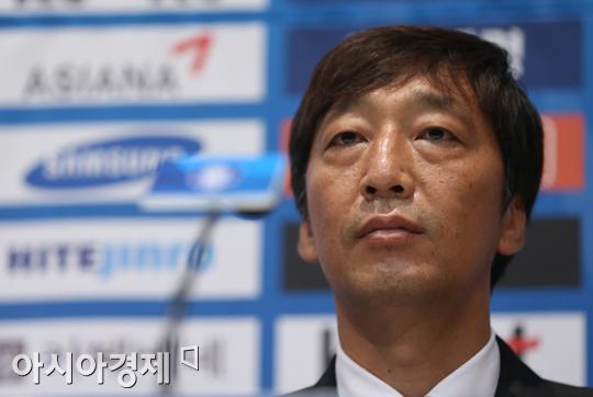 """국가대표팀 김봉수 GK코치, 사임 """"적기라 생각했다"""""""