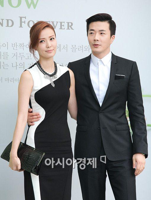 [포토]'이병헌 이민정 결혼식' 참석한 손태영-권상우