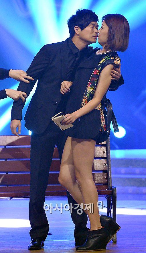 [포토]박은지-김민수 '입술이 닿을 듯 말 듯'