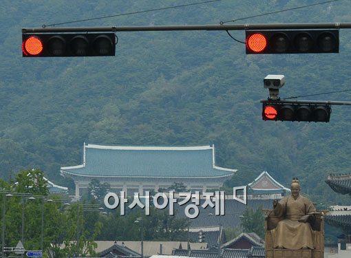 [2014 재산공개]윤창번 미래전략수석 재산 130억원대… 청와대서 최고액수 신고