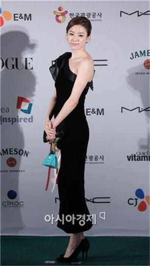 '한효주' 사생활 협박한 전 매니저 집행유예