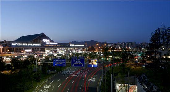 ▲김포공항 야간 전경