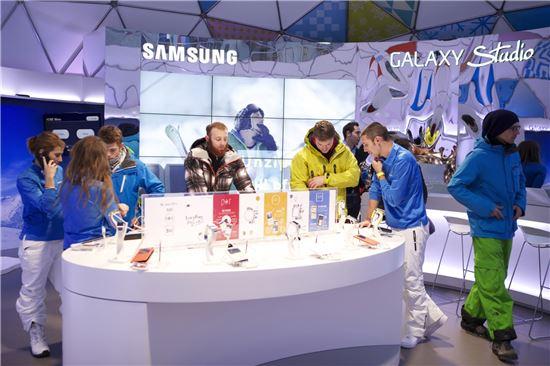 """삼성 """"유럽 스키 리조트서 갤노트3·갤기어 체험하세요"""""""