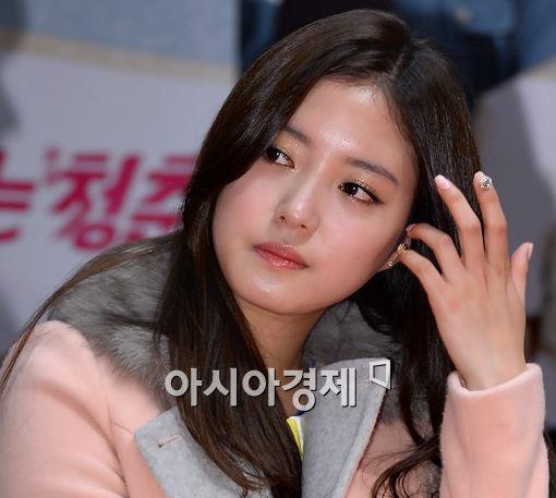 [포토]감기걸린 이세영, 핼쑥해진 얼굴~