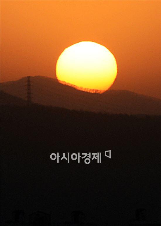[포토]'불끈 솟아 오르는 갑오년 새해'