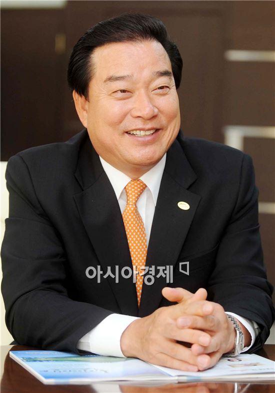 """[새해설계]허남석 곡성군수, """"강소농 집중 육성, 부군복민 향해 달려 가겠다"""""""