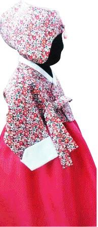 전통의상 한복마저 '영국풍' 유행…'리버티 한복' 인기