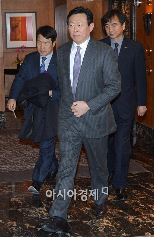 [포토]전경련 회의 참석하는 신동빈 회장